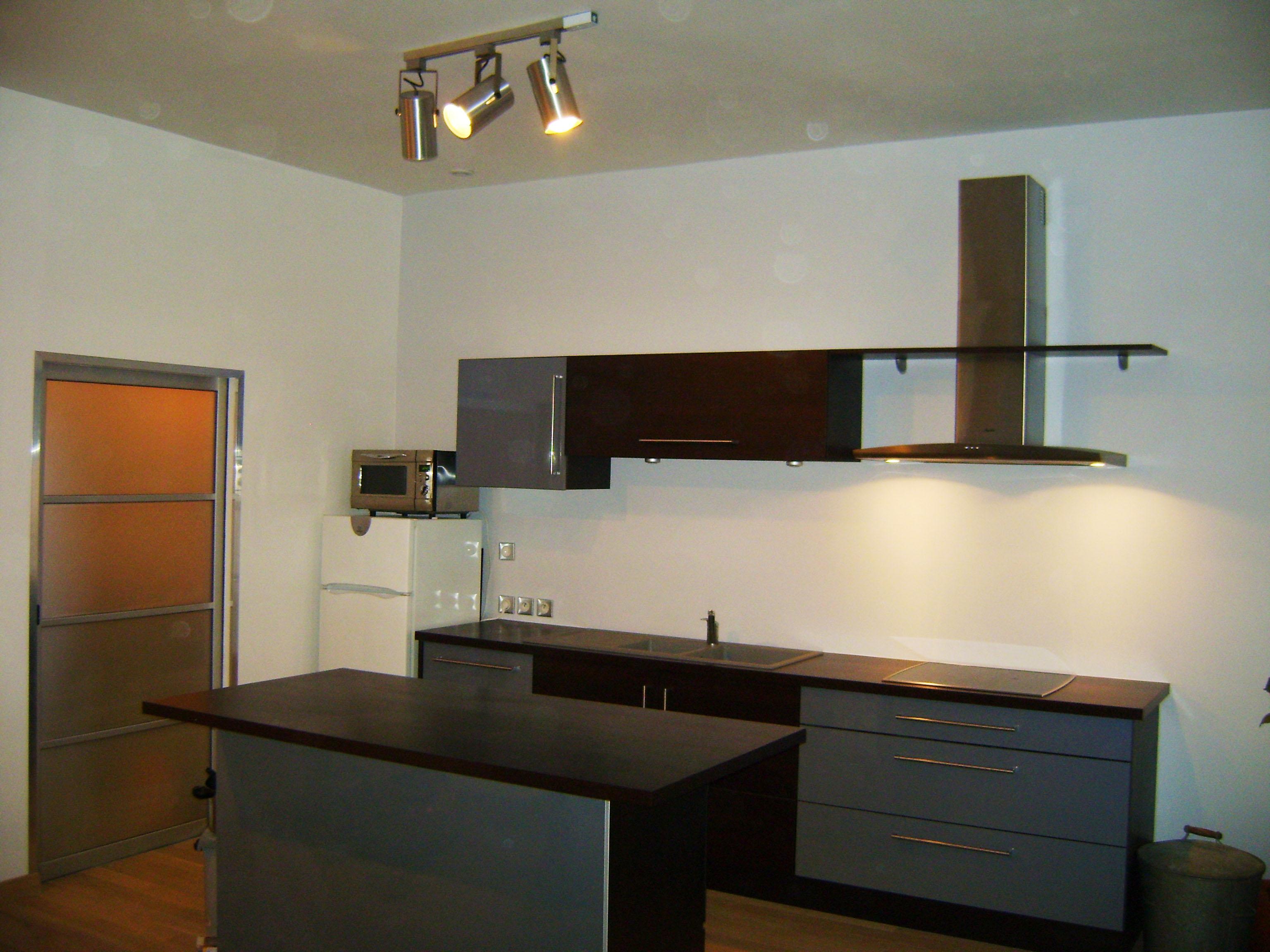 agencement d 39 un espace cuisine l 39 am ricaine renoveo. Black Bedroom Furniture Sets. Home Design Ideas