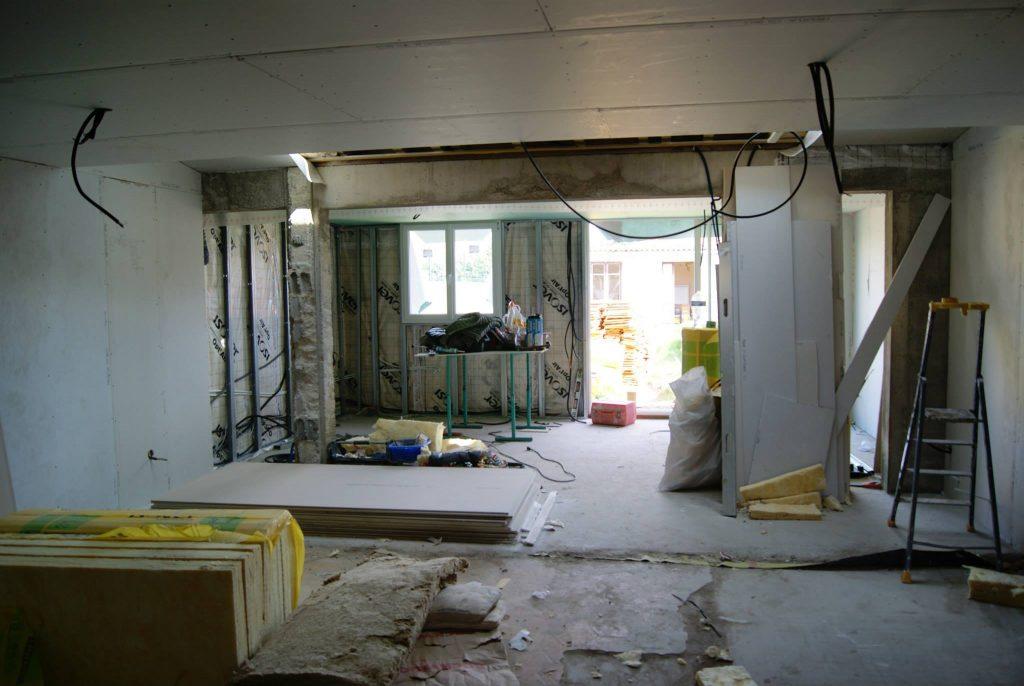Rénovation intérieure. Travaux d'isolation, plâtrerie et maçonnerie