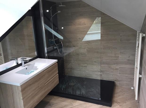 Création d\'une salle de bains dans des combles - Renoveo