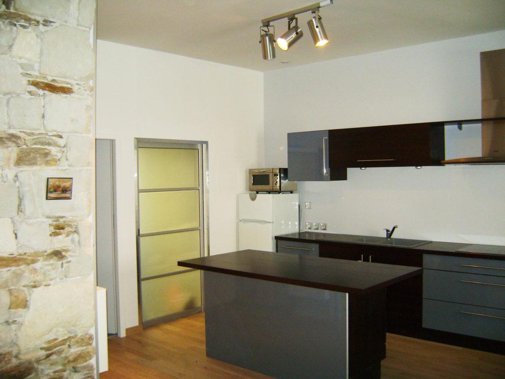 Agencement d 39 un espace cuisine l 39 am ricaine renoveo for Cuisine a l americaine