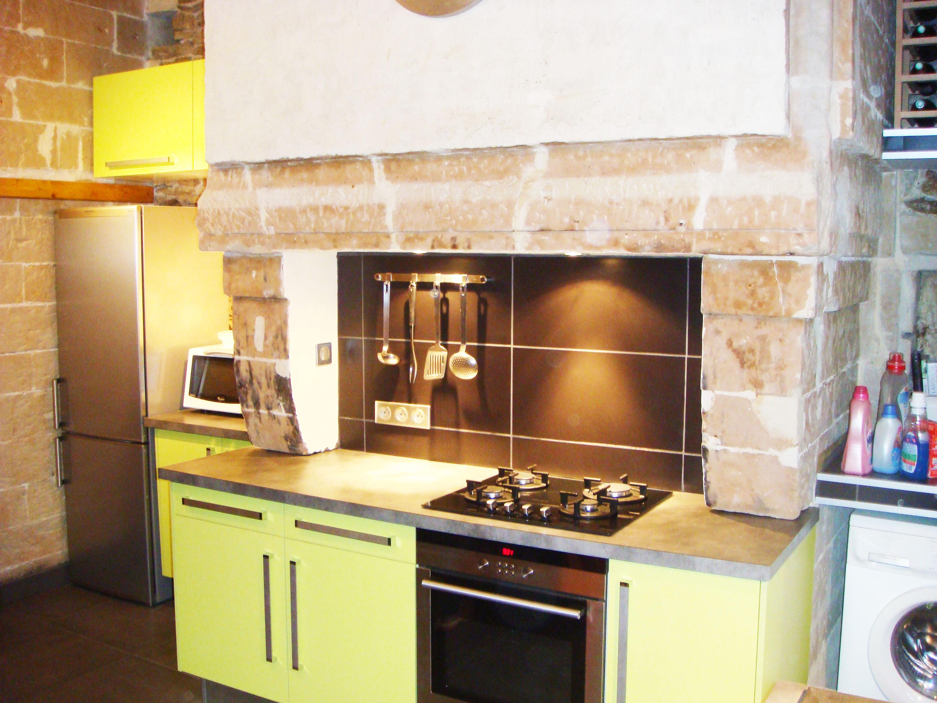 Renovation De Cheminee Ancienne restauration cuisine du vieux nantes - rénovéo - nantes (44)