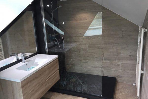 Création d'une salle de bains dans des combles