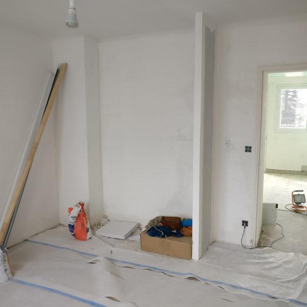 Rénovation et agencement d'un appartement -Pendant / réfection des chambres - aménagement pour rangements